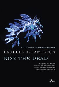 9788842926443_kiss_the_dead